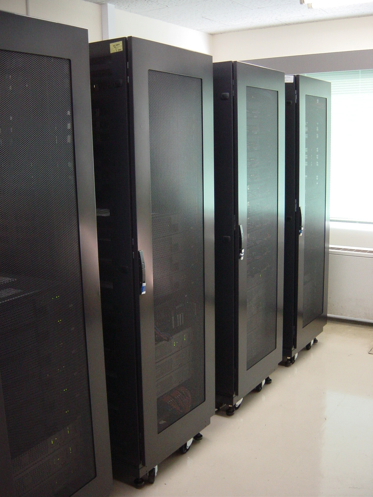 Comp-server.jpg
